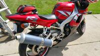 YZF R1 2001 In very good condition  for its 19 yrs $4300 Cash only.