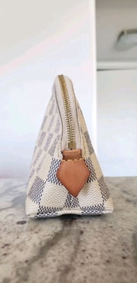 women's white and brown knitted handbag Las Vegas, 89103