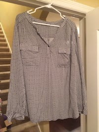 Black and white 3xl blouse like new