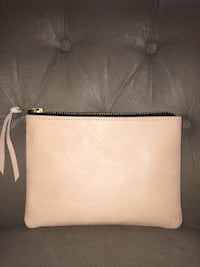 New! Pink leather Buotonne handbag - w gold zipper- Brea, 92821