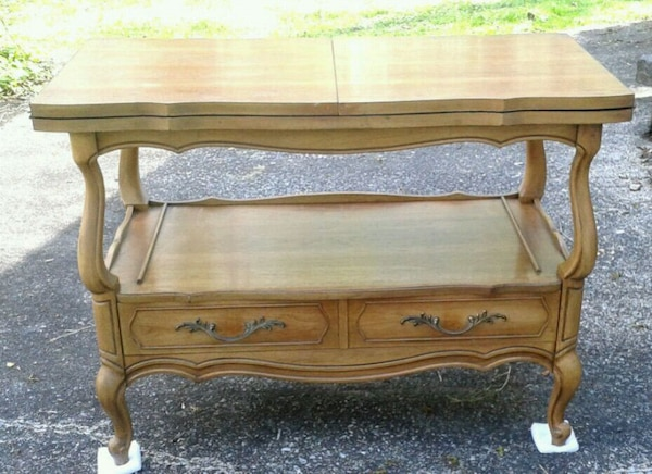 Vintage 1970s VANLEIGH Wood Table Fold Out Top eff96a28-8b54-4cc1-9c35-7081ce770070
