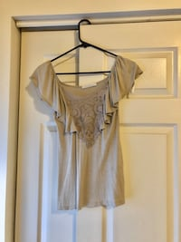 Charlotte Russe Short Sleeve and Lace Top (S) Odenton, 21113