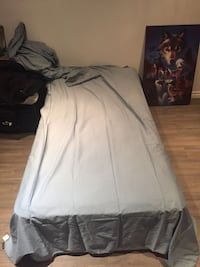 Twin mattress & box spring with fitted sheet flat sheet and pillow case Ajax, L1S 4Z7