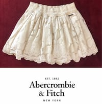 PLEASE NO LESS THAT $25  ABERCROMBIE & FITCH IVORY FLORAL LACE MINI SKIRT WITH TWO LININGS, SIZE SMALL Riverside, 92507