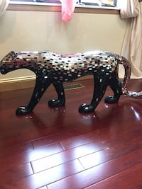 Very beautiful gorgeous tiger statue black and silver it's