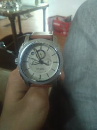 Fossil watch with brown leatherband.. 200$ value f Toronto, M1K 1A1