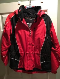 Obermeyer ladies womens ski jacket red black size 14  Purchased new at a ski shop.   Arlington, 22201