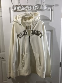 Brand New sweater with hoodie Size XL  Milton