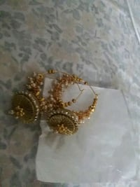 gold and diamond studded earrings Tampa, 33613
