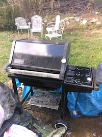 black and gray gas grill 32 km