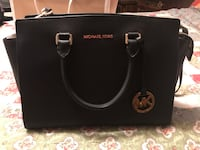 MICHAEL KORS AUTHENTIC BLACK LEATHER LARGE SELMA Markham, L3S 1S7