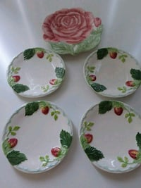 NEW! Williams Sonoma pretty plates. Hamilton, L8G 5G3
