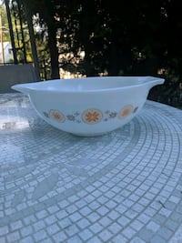 Pyrex Town and Country Cinderella Bowl Lititz, 17543
