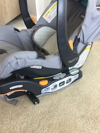 Chicco keyfit30 car Seat and Base Clarksburg, 20871