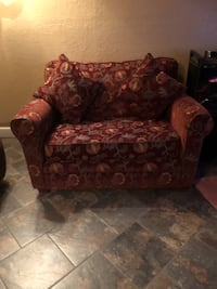 2 loveseats pull out beds good condition has mattresses Lubbock, 79415