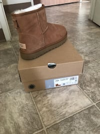 BRAND NEW NEVER WORN CLASSIC MINI II UGG's  Calgary, T1Y 5V6