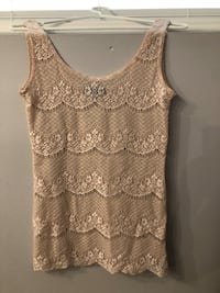 women's white lace sleeveless top Coquitlam, V3E 3A2