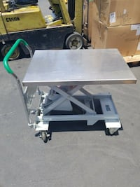 Used SOUTHWORTH DLV-500 Leveler Lift Cart, 1100 lb Lake Forest