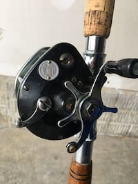 Vintage OceanCity 925 fishing reel an 2 rods