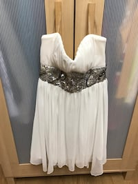 White dress size 5 Brampton, L6V 2R6
