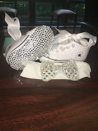 Custom made baby converse with rhinestones size 3 Downers Grove, 60515