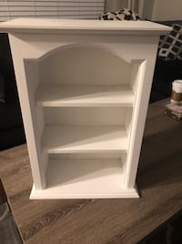 White hanging cabinet  h-20.5 w- 14.5 depth-8 inches