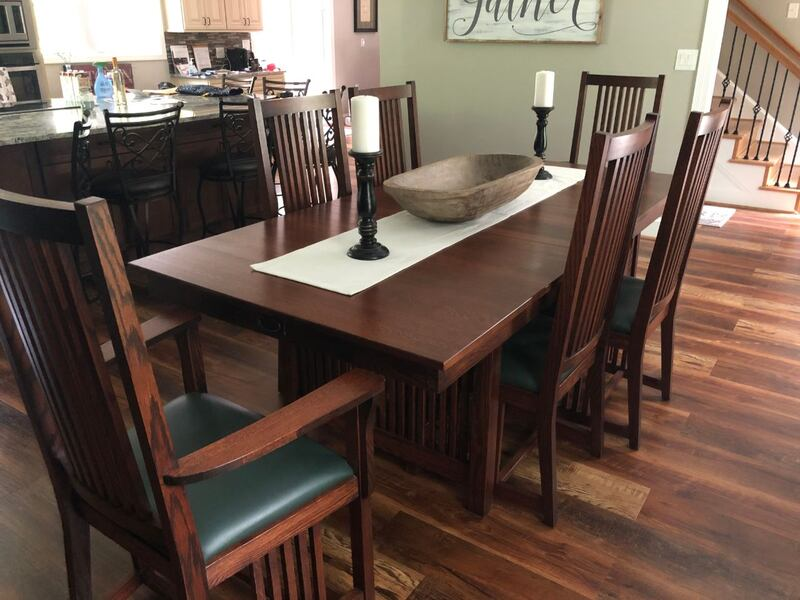 Mission Dining Table and Chairs c7f35b8f-d996-4722-ab9b-edbf25a254ed