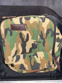 Camouflage around the shoulder purse