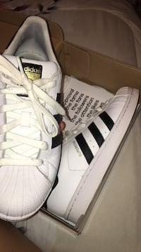 Adidas Superstar ( negotiable ) Dumfries, 22026