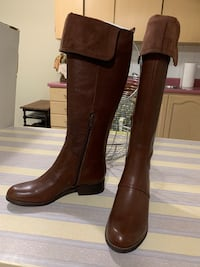 Leather boots Mississauga, L4Z 1J5