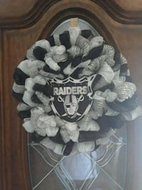 white and black floral wreath Norwalk, 90650
