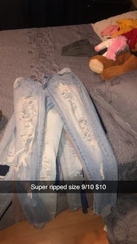 Ripped jeans Victorville, 92394