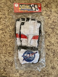 Kids jr. astronaut space NASA dress up gloves  Oklahoma City, 73145