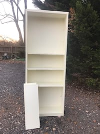 2 large white bookcases with extra shelves  1 for $50 - both for 80 Gambrills, 21054