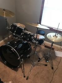 Gretsch energy 5-piece drum kit, everything included.
