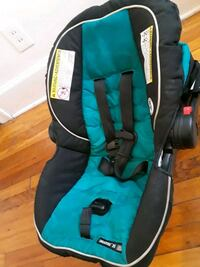 baby's black and teal car seat carrier Detroit, 48224