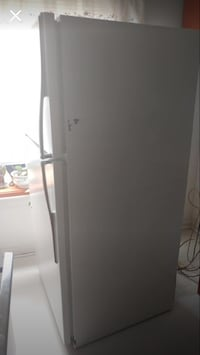 REFRIGERATOR By:HOT POINT IN GREAT WORKING CONDITION!! Hampstead