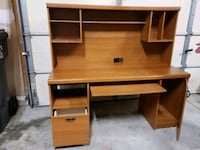 Large desk  Howell, 48843