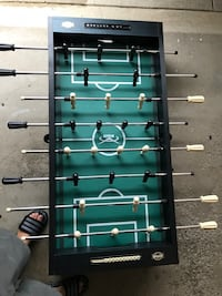 black and green foosball table Strongsville, 44136