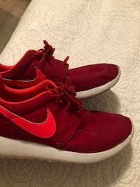 red and orange nike roshes size 6.5Y good condition Fort Walton Beach, 32547