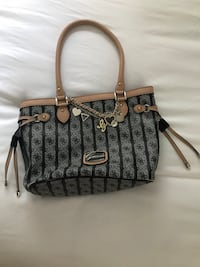 Guess Purse Arlington, 22206