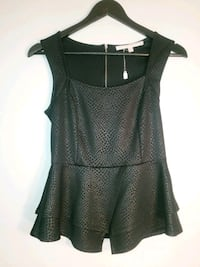 Size small Guess Calgary, T2V 3G3