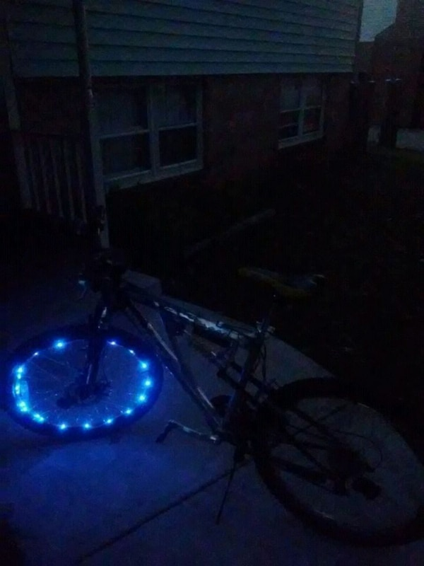 Mongoose bike with light system