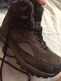 SOLD PENDING PICK UP  Hiking boots sz 7. Excellent condition. Worn maybe 3 times. Women's.  Must sell fast. I'm moving. $60 OBO. Make me a reasonable offer. Calgary, T3G 5E5