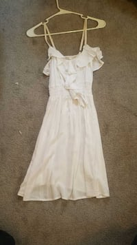 Peasant style white dress size small Macomb, 48042