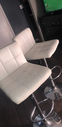 white leather padded rolling armchair Arlington, 76011