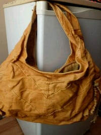 Leather purse 376 mi