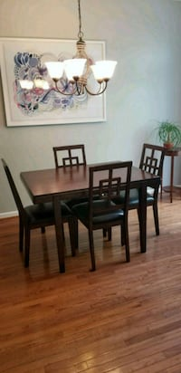 Wooden table with four chairs Alexandria, 22306