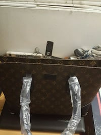 A brown leather Louis Vuitton handbag Los Angeles, 90027