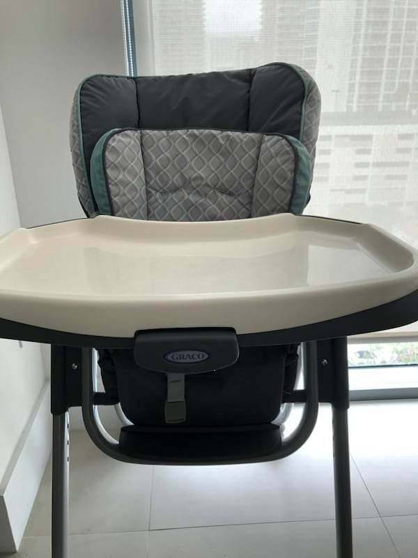 Highchair Graco Slim Spaces 8b65bdf4-f1dc-4000-a15a-0d29fa2bf947